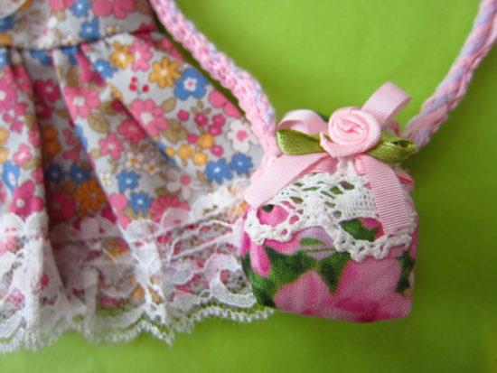 ピンクのバラのバッグ