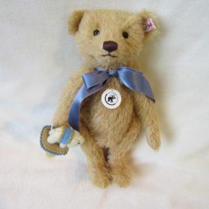 【シュタイフ2020年限定】Teddy bear with  Little felt elephant【テディベアとリトルエレファント】