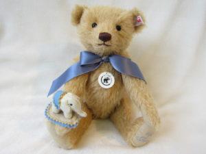 【創業140周年 記念作品】Teddy bear with  Little felt elephant